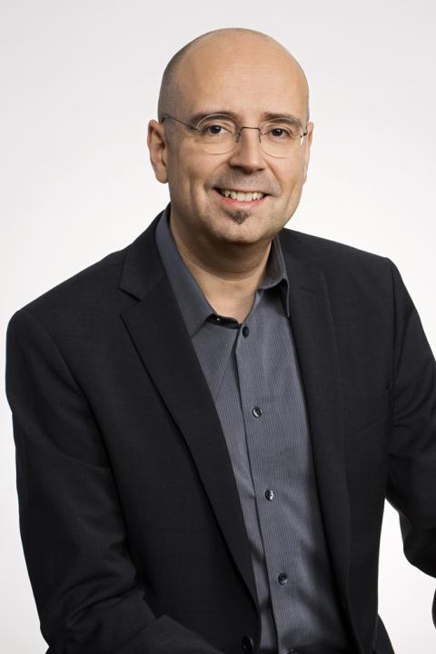 Daniel Akine, ansvarig för Microsofts lokala citizenship-arbete.