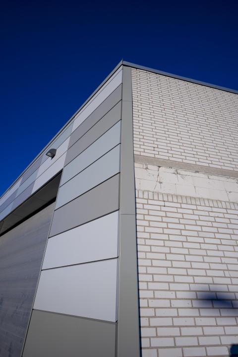 Gammal och ny fasad på EKO-butiken i Kalmar.