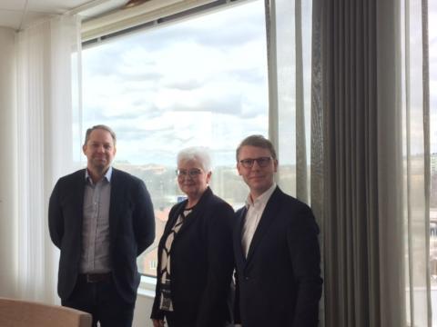 Region Skåne, Region Stockholm och Västra Götalandsregionen går samman med krav på infrastrukturminister Tomas Eneroth