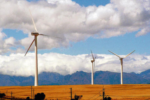 South Africa ready to sign deals with first renewables projects