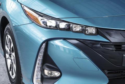 2016-toyota-prius-plug-in-hybrid-03