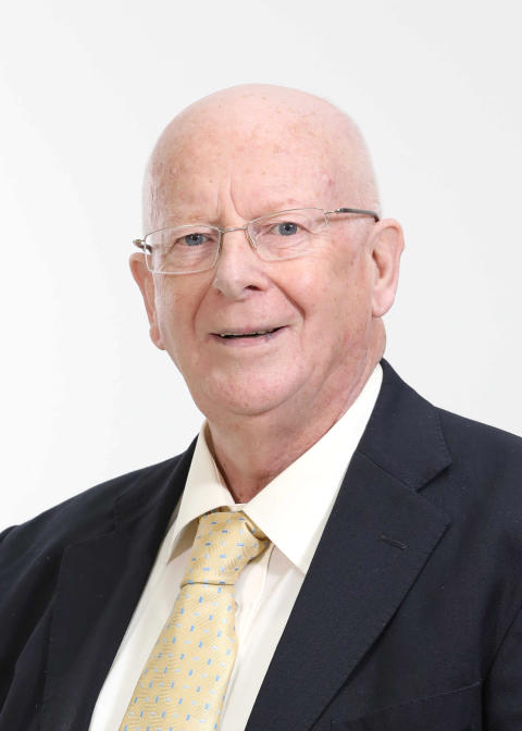 Alderman Tommy Nicholl MBE completes two-year term as Chair of the Association for Public Service and Excellence