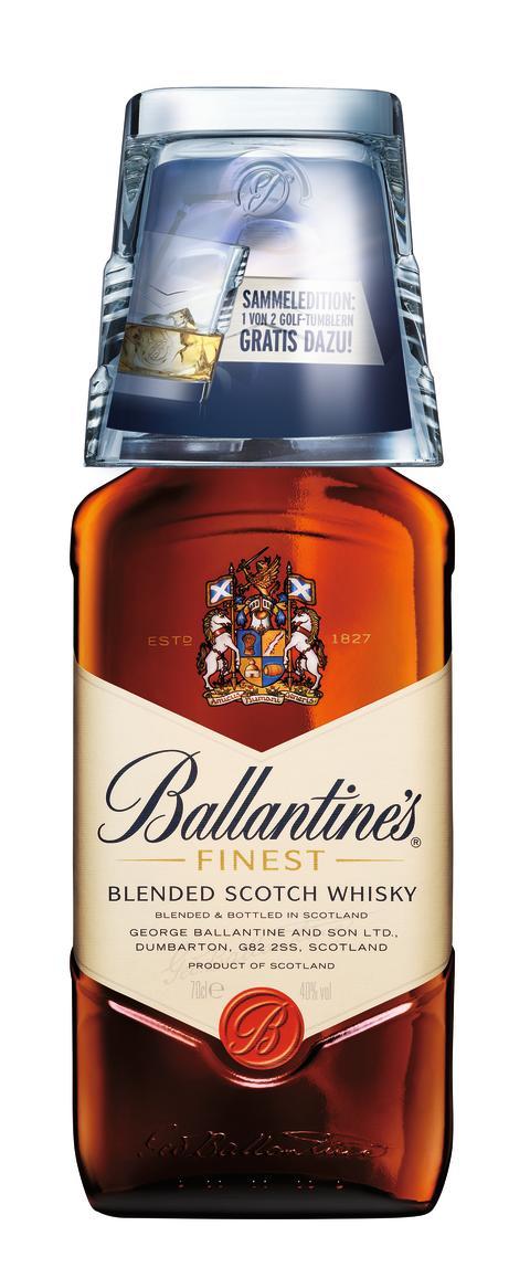 Ballantine's mit edlem, stilvollen Tumbler in zwei verschiedenen Golf-Designs