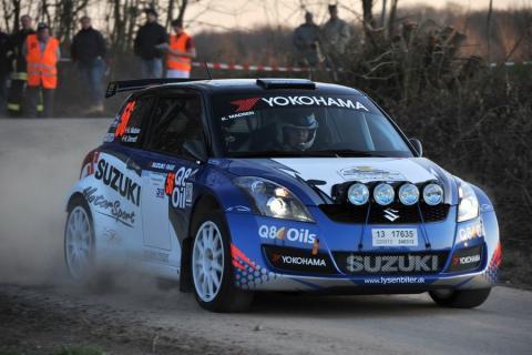 Kenneth Madsen vinder sin klasse i første afdeling af rally-DM