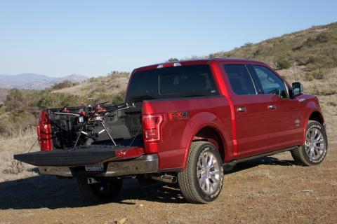 A Ford a drónok segítségével javítaná a sürgősségi ellátások és az üzleti tevékenységek hatékonyságát