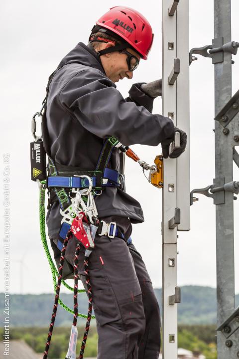 Honeywells innovative fallsikring gjør det tryggere og mer komfortabelt å klatre i stiger