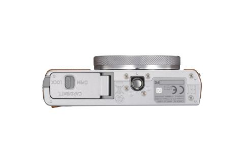 PowerShot G9X Mark II Silver Bottom