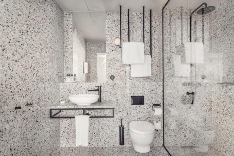 Blique_Bliques_Superior_Bathroom_Beatrice Graalheim_25