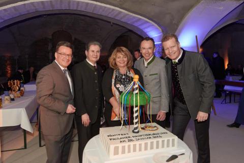 Neue Paulaner-Zentrale feiert Richtfest