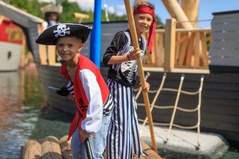 Floßfahrt auf dem Piratensee