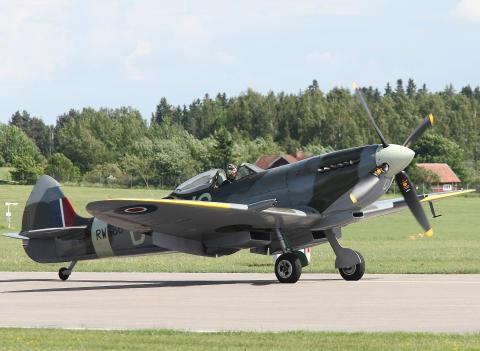 Äntligen kommer de legendariska flygplanen SPITFIRE och MUSTANG till F11 Museum