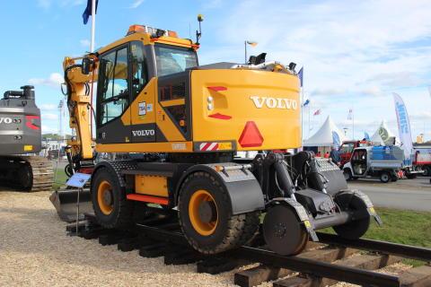 Volvo EWR150E Rail - anpassad för arbete på järnväg