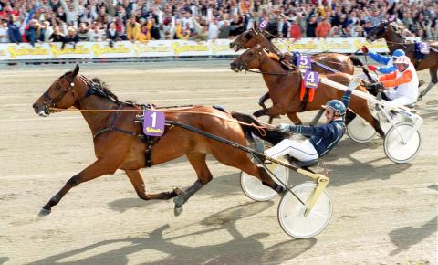 Victory Tilly och Stig H Johansson vinner Elitloppet år 2000