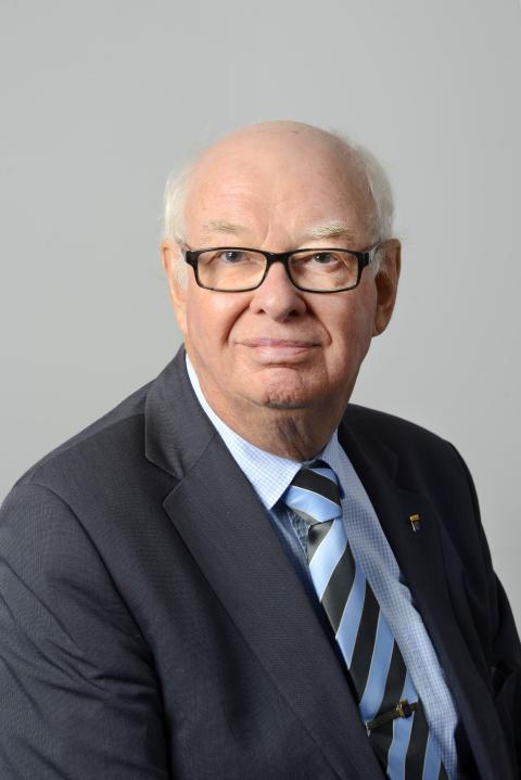 Sven Kinnander (M)