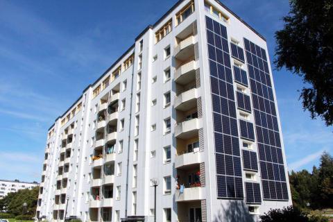 Solcellspaneler, Blidvädersgatan 52-56 i Biskopsgården