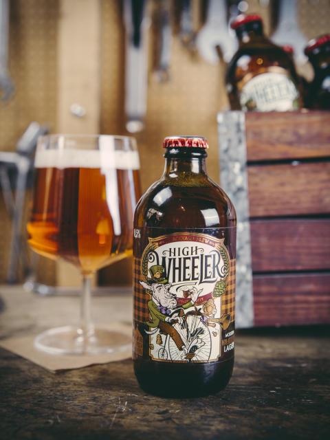 Premiär för Backyard Brew High Wheeler – en alkoholfri lager inspirerad av växande cykelkultur