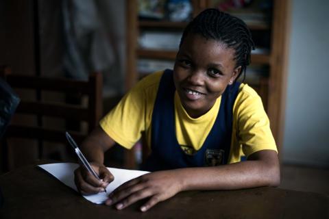 H&M Foundations kampanj ger 30 miljoner kronor för utbildning åt barn på flykt