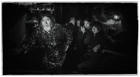 Kosmisk urladdning på Ebbot Lundberg & The Indigo Childrens nya singel