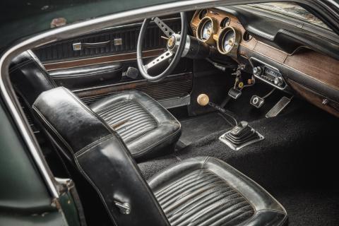 Original-1968-Mustang-Bullitt-interior-2