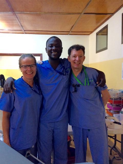 Tandsköterskan Elisabeth Levin från Borås volontärarbetar på världens största sjukhusfartyg