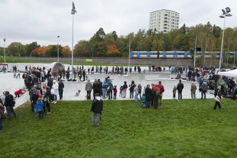 Officiell invigning av Högdalens skatepark