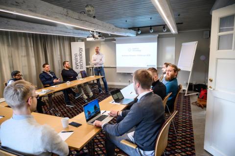 Nischat IT-konsultbolag som bjuder på kunskap och öppen källkod