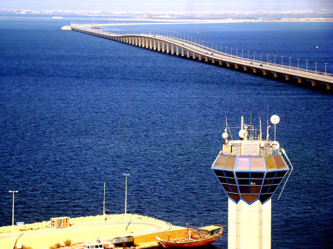 Proposals under review for Railway tracks along King Fahd Causeway