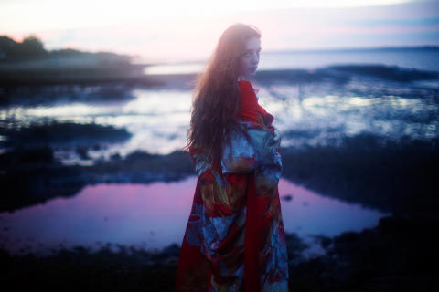 "Birdy släpper nya albumet ""Beautiful Lies"" den 25 mars"