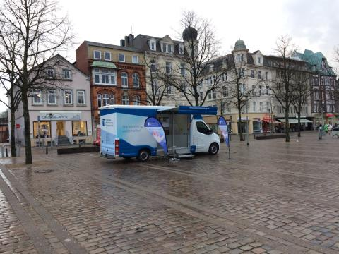Beratungsmobil der Unabhängigen Patientenberatung kommt am 6. April nach Neumünster.