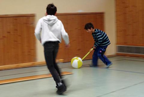 Bayernwerk-Azubis organisierten Miniolympiade im Caritas-Kinderdorf