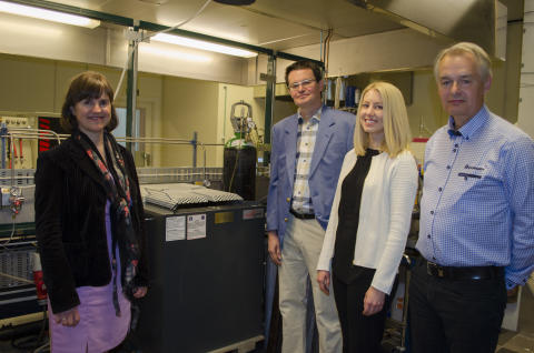 Donation till LTU från Indexator och Rototilt stimulerar utvecklingen av extremt robusta ausferritiska stål