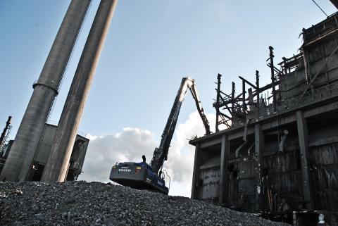 Delete river släcktorn på SSAB i Luleå