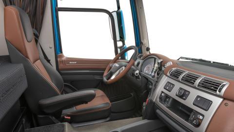28. DAF CF - Interior - Exclusive Line