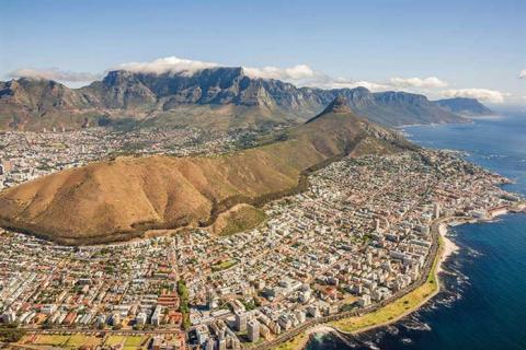 Södra Afrika – Med Victoriafallen, Kapstaden, Safari och viner
