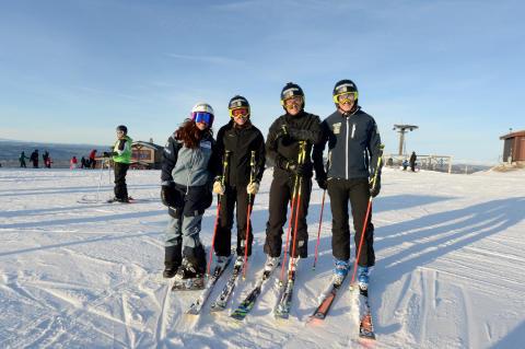 Skicrosslandslaget laddar på Idre Fjäll