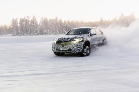 Mercedes-Benz EQC på vintertester i Arjeplog