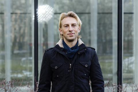 Leksands högstadieelever lär sig om hjärnan, skärmar och fysisk aktivitet med Anders Hansen