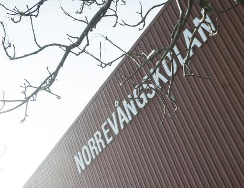 4-9 bygget på Norrevångskolan läggs på is