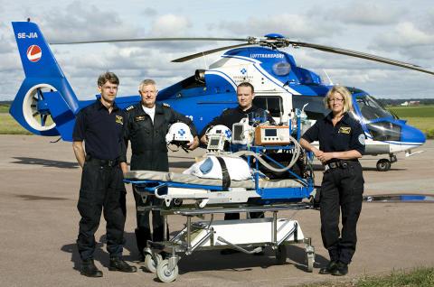 Ambulanshelikoptern visas på Flygets dag 25 augusti