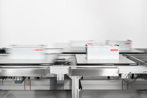 Smart production with twin track conveyor