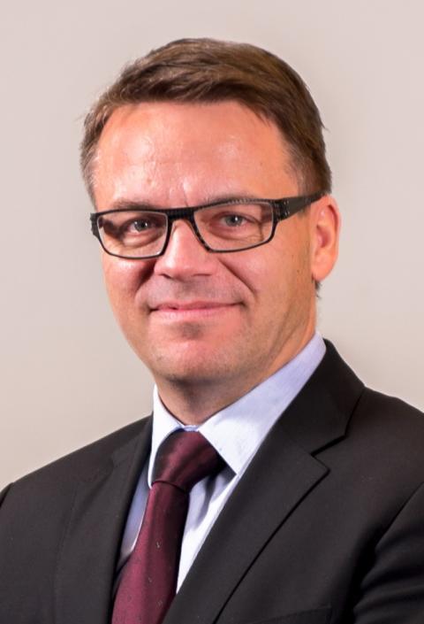 Martin Lippert, Broadnet