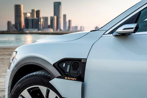 Audi er drivkraft bag standard for intelligent opkobling af elbiler og bygninger