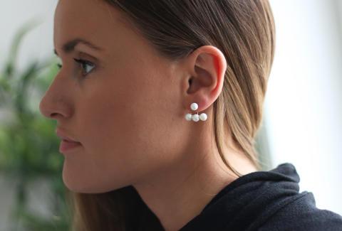 Øredobber med perler 498,-