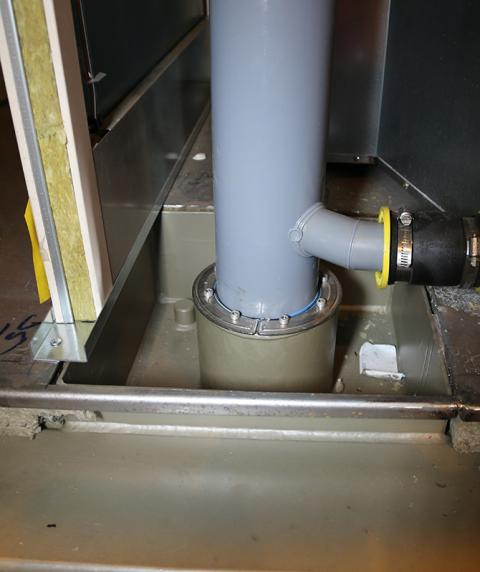Roxtec RS PPS/S är en genomföring för platsrör som skyddar mot eld och vatten.