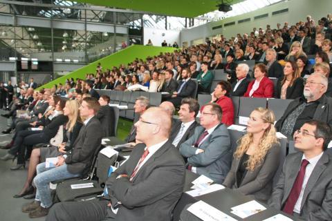 Feierliche Verabschiedung der Absolventinnen und Absolventen des Akademischen Jahres 2014/2015
