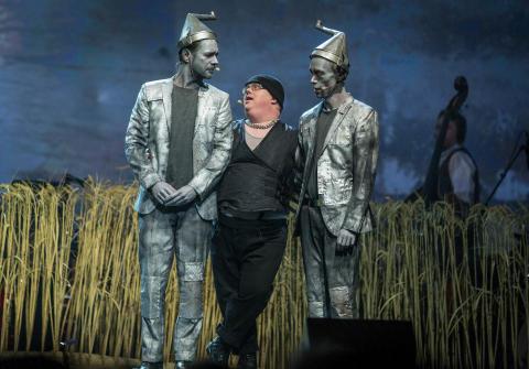 Glada Hudik-teatern till Uppsala med Trollkarlen från Oz