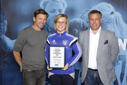 Jeanette Engström, Åby IF, tilldelas  Woody Ungdomsledarstipendiet 2016