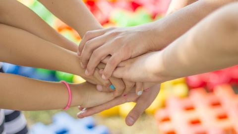 Friends initierar vecka för att engagera vuxna