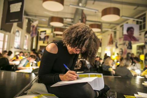 Skriv för frihet - släpp ungdomarna fria!