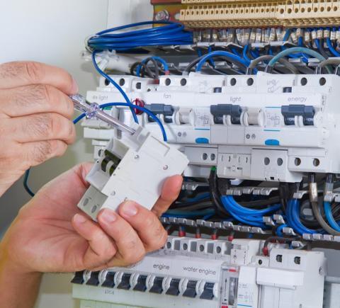 Tuffa miljökrav vardag för Elect Service.